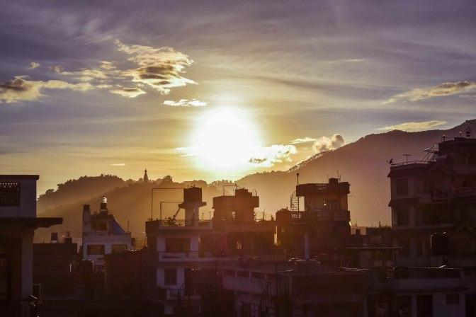 Sol se pondo em Kathmandu